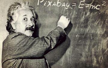 взгляд, чёрно-белое, мужчина, альберт эйнштейн, физик