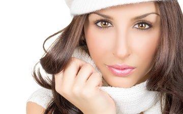 девушка, взгляд, модель, волосы, лицо, шапка, руки, макияж, ресницы, карие глаза, шарф