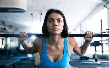 девушка, брюнетка, фитнес, штанга, тренировки, тренажерный зал, силовые нагрузки