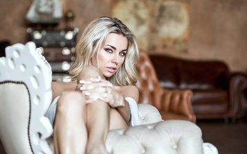 девушка, блондинка, взгляд, модель, ножки, кресло, позирует, иоланта пряхина