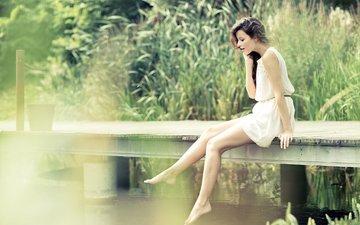 мостик, девушка, профиль, сидит, ножки, белое платье, stéphane pironon, paola