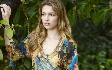 девушка, платье, блондинка, листва, взгляд, модель, актриса, lili simmons, лили симмонс