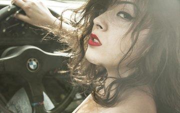 девушка, взгляд, профиль, волосы, губы, лицо, вгляд, бмв, руль