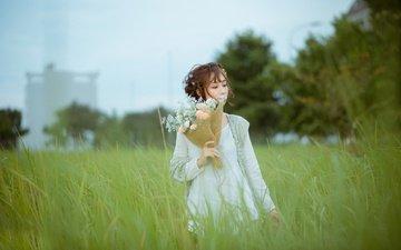 цветы, трава, девушка, волосы, букет, губы, лицо, азиатка
