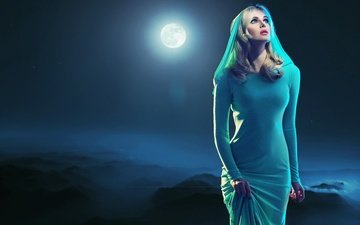 night, girl, dress, blonde, fog, look, the moon, hair, makeup