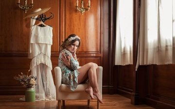 девушка, платье, модель, ножки, кресло, венок, халатик, шляпа, marina martos