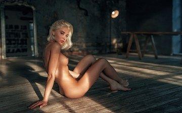 девушка, поза, блондинка, взгляд, сидит, пол, окно, фигура, сиськи, голая, сосок