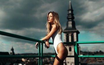 девушка, поза, блондинка, город, попа, модель, ноги, купальник, фотосессия, длинные волосы, maxime prokaz, meline carmona