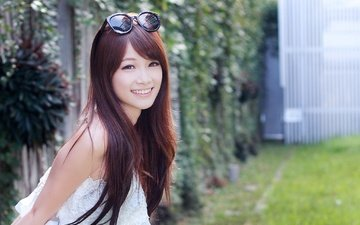 девушка, улыбка, взгляд, очки, волосы, азиатка, солнечные очки