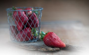 berry, strawberry, table, blur