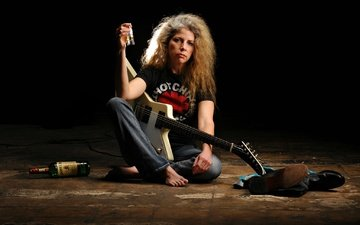 guitar, look, jeans, hair, face, bottle, woman, barefoot, marynell