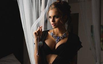 девушка, взгляд, модель, красотка, бюстгальтер, ожерелье, фотосессия, viki odintcova, вики одинцова