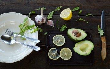 зелень, лимон, вилка, нож, ложка, авокадо, чеснок