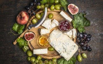листья, виноград, сыр, персики, натюрморт, варенье, инжир, разделочная доска