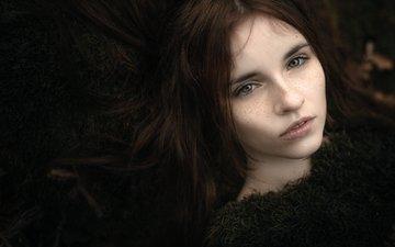девушка, портрет, модель, волосы, лицо, темнота, веснушки