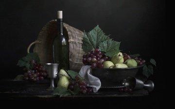 виноград, фрукты, черный фон, корзина, вино, бутылка, натюрморт, груши