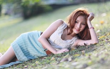 трава, девушка, поза, улыбка, лежит, азиатка