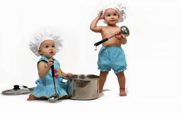 дети, девочка, белый фон, мальчик, малыши, кастрюля, повар, поварёнок, крышка, чепчики, поварешка, черпак, поварята