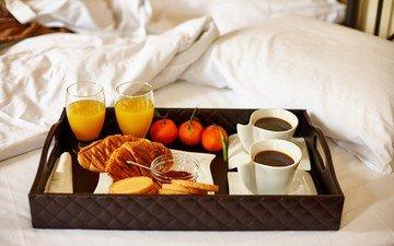 кофе, джем, завтрак, мандарины, сок, круассаны, тосты