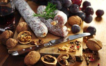 виноград, вино, стакан, колбаса, перец, специи, салями, грецкие орехи