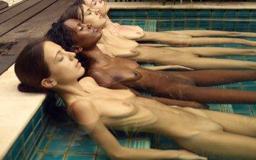 девушки, бассейн, лежат, негритянка