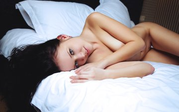 brunette, lies, bed, naked