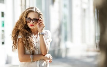 girl, look, glasses, watch, model, curls, hair, face, red lipstick, bracelets, sunglasses