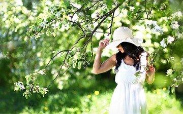 девушка, сад, шляпа, белое платье