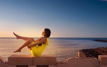 солнце, девушка, настроение, море, ножки, босиком, желтое платье