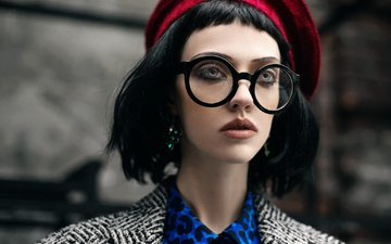 девушка, брюнетка, взгляд, очки, лицо, берет, татьяна мерцалова