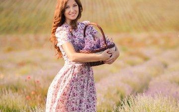 цветы, природа, девушка, улыбка, поле, лаванда, лицо, корзинка