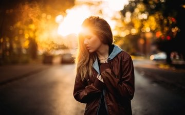 дорога, девушка, взгляд, волосы, лицо, куртка