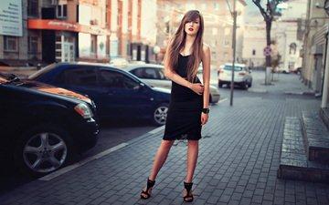 стиль, девушка, город, улица, авто, черное платье, вероника