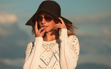 style, girl, look, glasses, hair, face, hat