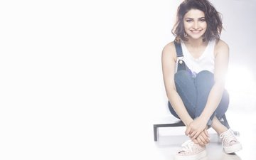 girl, pose, smile, model, lips, face, actress, makeup, bollywood, prachi desai