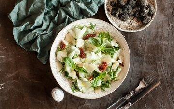 сыр, ягоды, ежевика, салат, закуска, пармезан, базилик, рукола