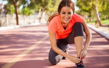 девушка, улыбка, спорт, беговая дорожка, кроссовки