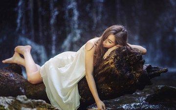 ночь, лес, девушка, поза, сон, ножки, отдых, белое платье, закрытые глаза