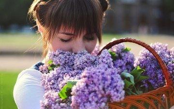 цветы, девушка, волосы, лицо, корзина, сирень, закрытые глаза, elena umrihina