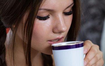 девушка, портрет, кофе, волосы, губы, лицо, чашка, ива, закрытые глаза