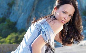 девушка, брюнетка, взгляд, модель, волосы, лицо, футболка, сёрьги, ангелина петрова