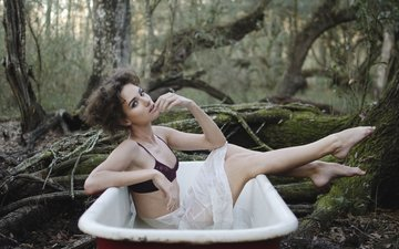 forest, girl, pose, look, model, sitting, legs, hair, face, bath, photoshoot, emily doyle