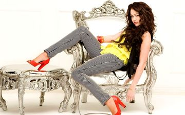 brunette, model, legs, actress, singer, shoes, photoshoot, sitting, miley cyrus, high heels