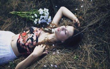 цветы, трава, природа, девушка, модель, волосы, букет, лицо, фотосессия, закрытые глаза