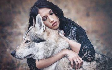 девушка, брюнетка, собака, хаски, друг, макияж, друзья, закрытые глаза