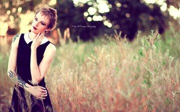 растения, девушка, взгляд, модель, татуировки, макияж, черное платье, стрижка, okelly mccarthy