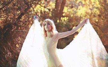 свет, деревья, лес, девушка, блондинка, осень, фантазия, модель, боди, боке, kelly mccarthy, okelly mccarthy