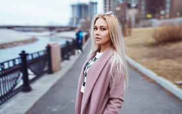 девушка, блондинка, взгляд, очки, улица, модель, волосы, лицо