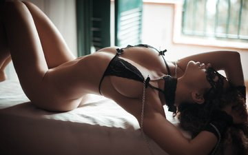 girl, mask, brunette, model, chest, bra, ass, belly, lying, art gfphotograpy