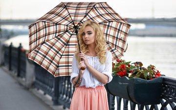 девушка, блондинка, взгляд, модель, волосы, зонт, лицо, татуировка, зонтик, максим романов